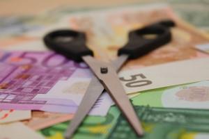 scissors-893152_1280-300x200